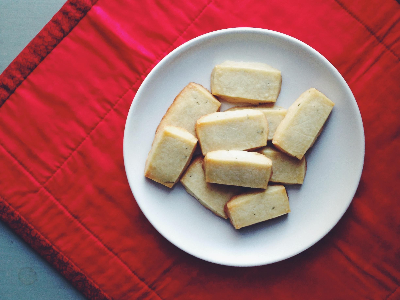 Olive Oil & Rosemary Shortbread | Delightful Crumb