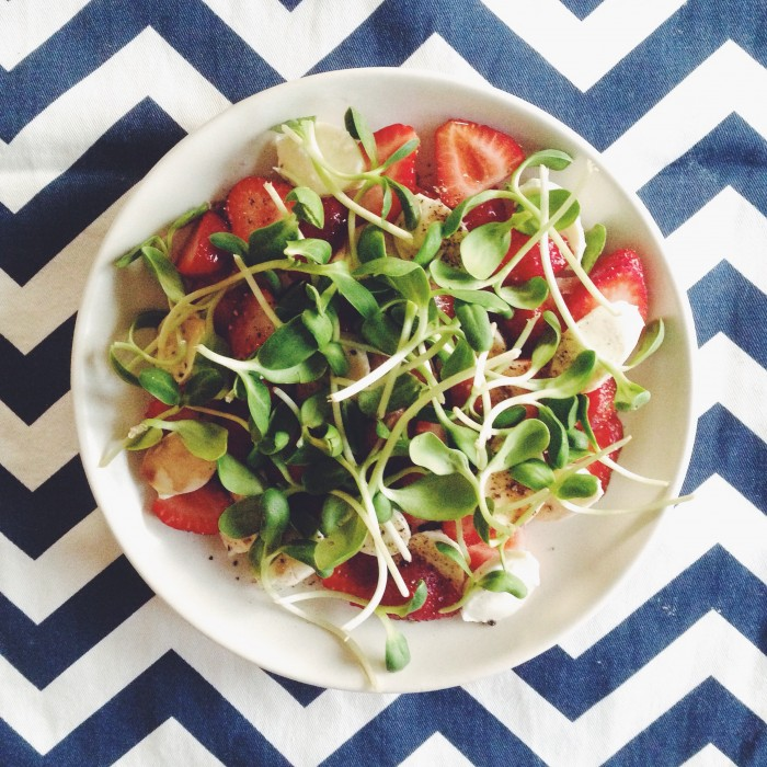 Strawberry & Mozzarella Salad | Delightful Crumb