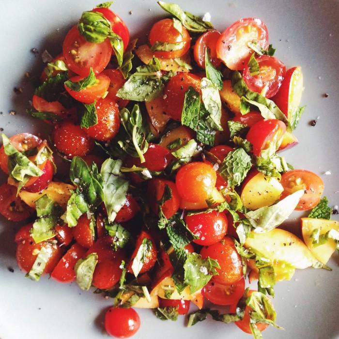 Tomato & Nectarine Salad | Delightful Crumb