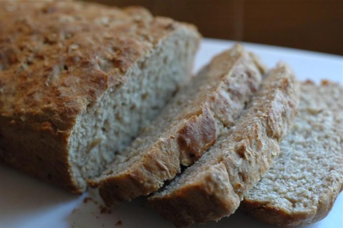 sliced oat bread_1