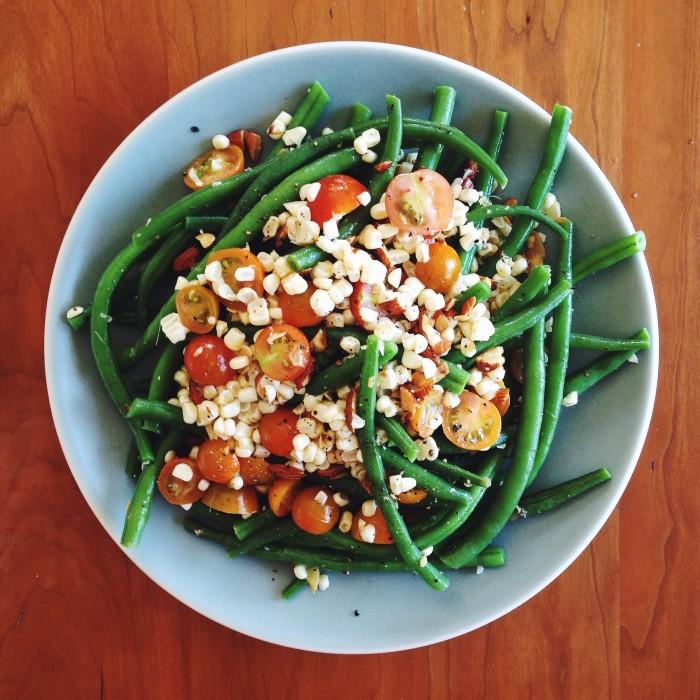 Garlicky Green Beans | Delightful Crumb